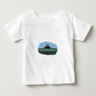 分野を耕すトラクター ベビーTシャツ