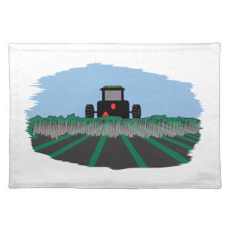 分野を耕すトラクター ランチョンマット