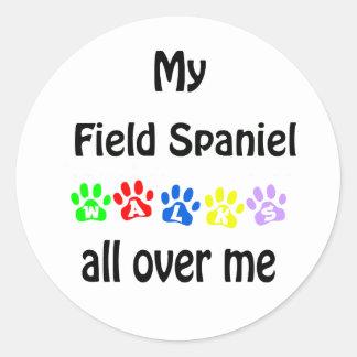 分野スパニエル犬の歩行のデザイン ラウンドシール