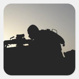 分隊の自動火器の射撃手のシルエット スクエアシール