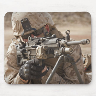分隊の自動火器の射撃手はsecuriを提供します マウスパッド