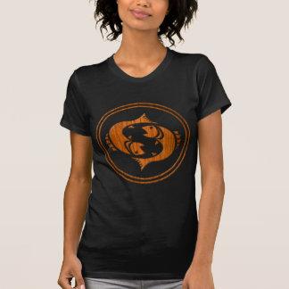 切り分けられた木製の魚類の(占星術の)十二宮図の記号 Tシャツ