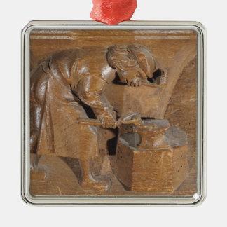 切り分けること銅細工人を描写します メタルオーナメント