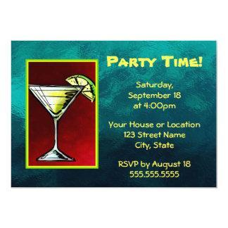 切れのライムのパーティの時間が付いているカクテルの飲み物 カード