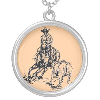 切断の馬の西部のスケッチのデザイン シルバープレートネックレス