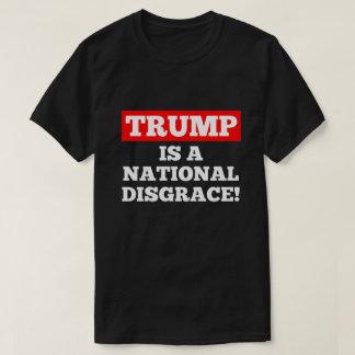 切札は国民の不名誉の黒のTシャツです Tシャツ