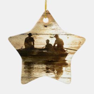 初期のな国湖のボートのカヌーの魚釣り セラミックオーナメント