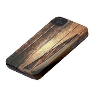 初期のな木製の穀物の反射湖の家のカヌー Case-Mate iPhone 4 ケース
