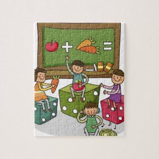 別のもののサイコロに坐っている男の子および2人の女の子 ジグソーパズル