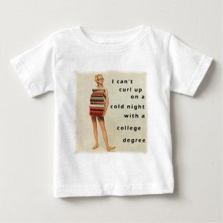 利発な男女差別主義のデザイン ベビーTシャツ