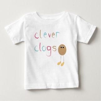 利発な障害物のお祝い ベビーTシャツ