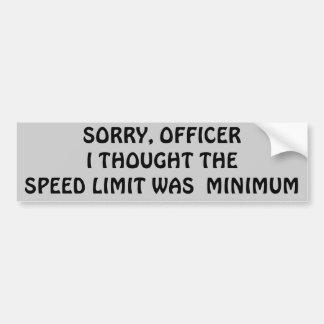 制限速度は最低または最高ですか。 バンパーステッカー
