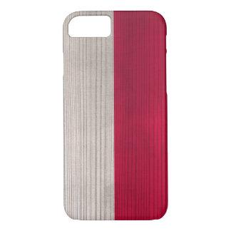 刻まれたポーランドの旗が付いている木製パターン iPhone 8/7ケース