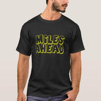 前方の001マイル Tシャツ