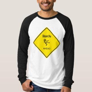 前方のKung Fu Tシャツ