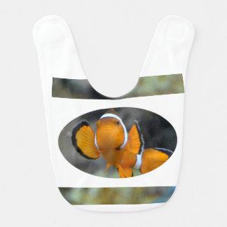 前部に直面するclownfish ベビービブ