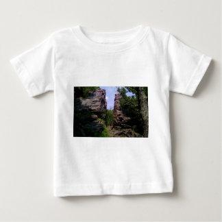 割れた石 ベビーTシャツ