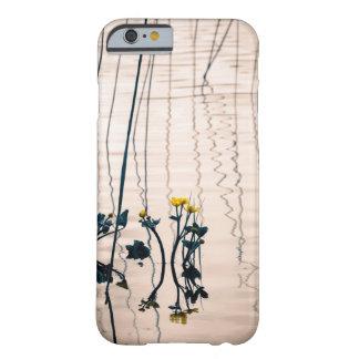 割れ目ある調子を与えられたkingcupの花 barely there iPhone 6 ケース