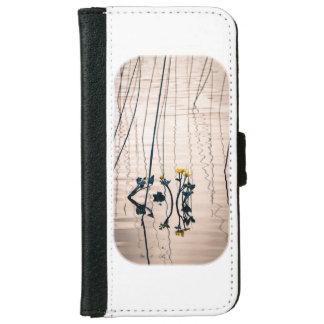 割れ目ある調子を与えられたkingcupの花 iPhone 6/6s ウォレットケース