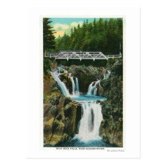 割れ目の石滝および橋の眺め ポストカード