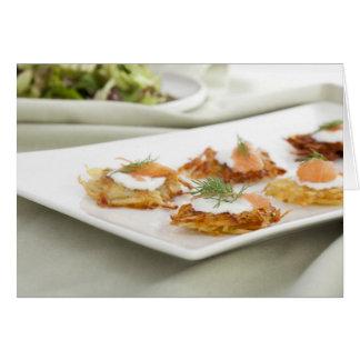 創造的な前菜のポテトのRostiの挨拶状 カード