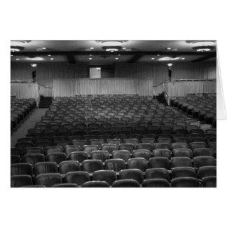 劇場の座席の白黒の写真 カード