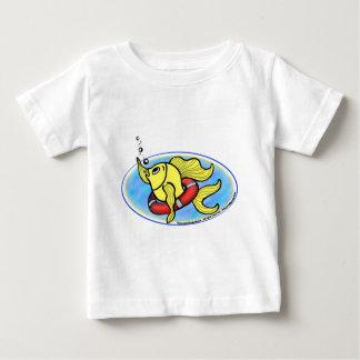 助けの魚 ベビーTシャツ