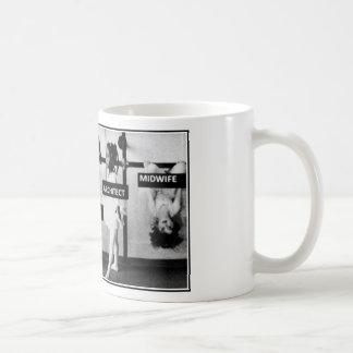 助産婦は異なっています コーヒーマグカップ