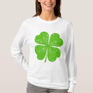 動揺してで幸運な4つの葉のクローバー Tシャツ