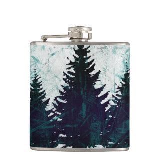 動揺してで素朴な常緑の松の木の森林 フラスク