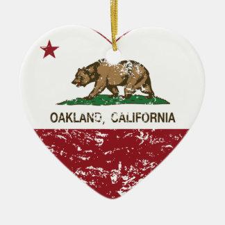 動揺してなカリフォルニア旗のオークランドのハート セラミックオーナメント