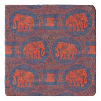動揺してな飾られた象 トリベット