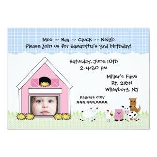 動物が付いている写真の納屋の農場の誕生日の招待 カード
