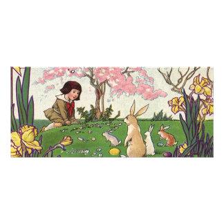 動物とのイースターエッグの狩りのヴィンテージの子供 カスタマイズラックカード