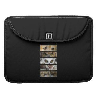 動物の目 MacBook PROスリーブ
