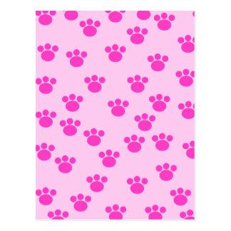 動物の足のプリント。 淡いピンクおよび明るいピンク ポストカード