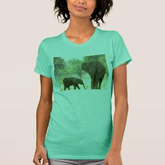 動物は人間動物より優秀です Tシャツ