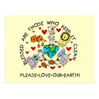 動物は私達の地球のTシャツおよびギフトを愛します ポストカード
