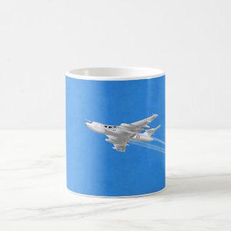 勝利者Vの爆撃機 コーヒーマグカップ
