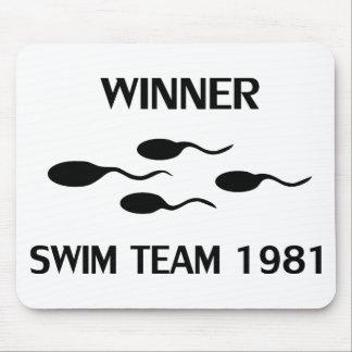 勝者の水泳チーム1981年のアイコン マウスパッド