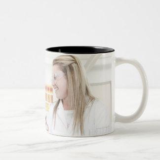 化学レッスン ツートーンマグカップ