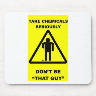 化学薬品を真剣に取って下さい マウスパッド