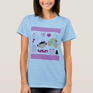 化粧品の女の子が付いている女性Tシャツ Tシャツ