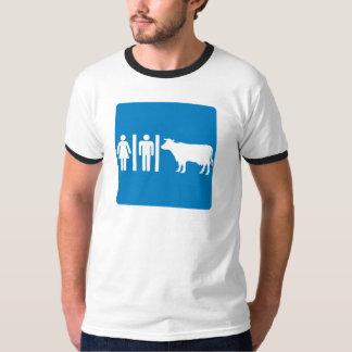 化粧室設備ユーモアのあるなハイウェーの印-牛か。 Tシャツ