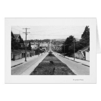 北のくねり、オレゴンの町の眺めの写真 カード