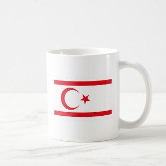 北のキプロスの旗のマグ コーヒーマグカップ