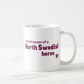 北のスウェーデンの馬 コーヒーマグカップ