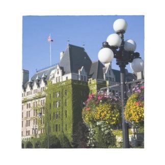 北アメリカ、カナダ、ブリティッシュ・コロンビア、5 ノートパッド