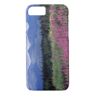 北アメリカ、カナダ、ユーコン準州。 Fireweedの開花 iPhone 8/7ケース