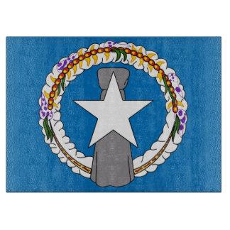 北マリアナの旗を持つガラスまな板 カッティングボード
